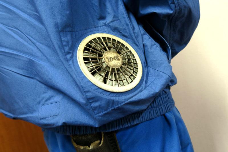 鉄粉で汚れた空調服のファン