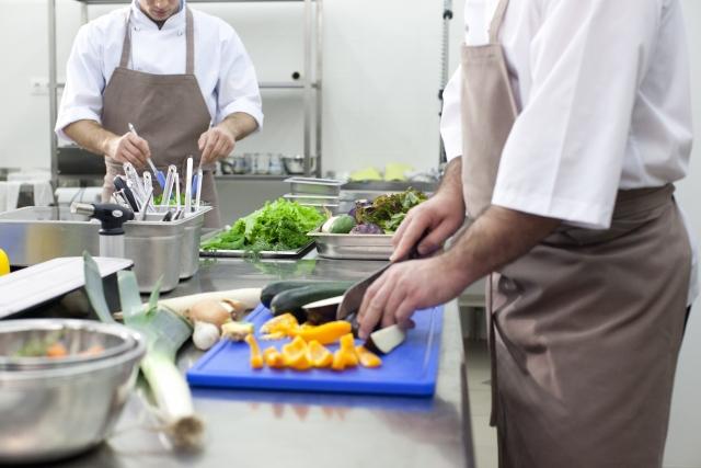 厨房の暑さ対策、熱中症対策イメージ画像