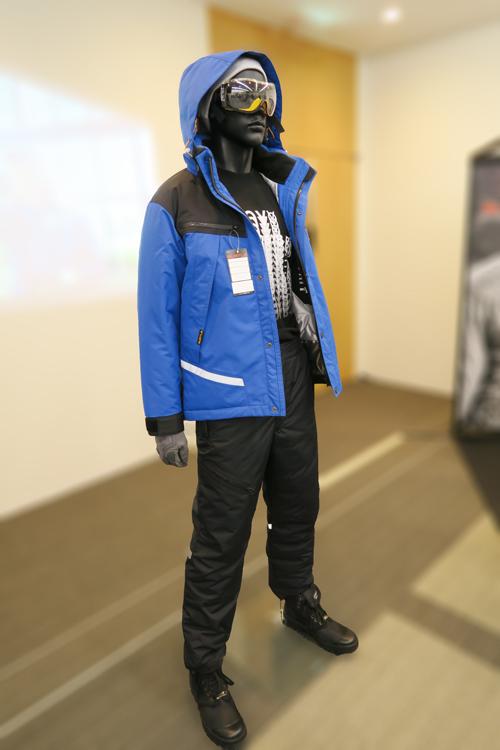 バートル 防水防寒ジャケット 7610 着用イメージ