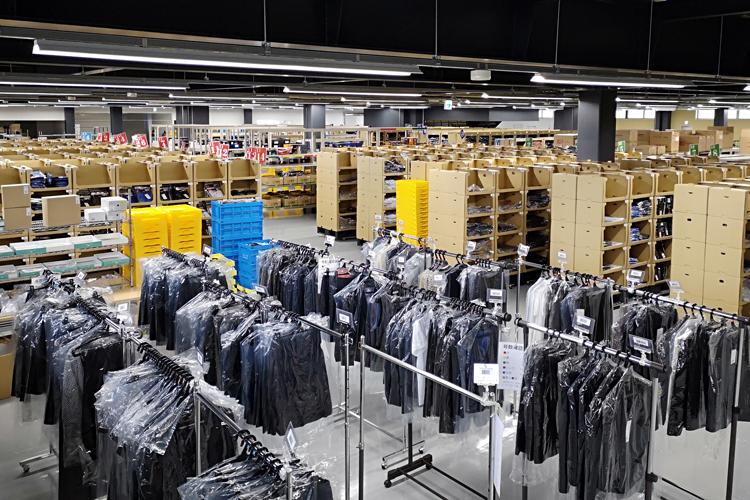 物流センター 自社倉庫の画像