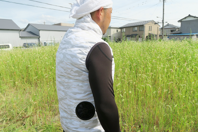 空調服とアイスベストの組み合わせ