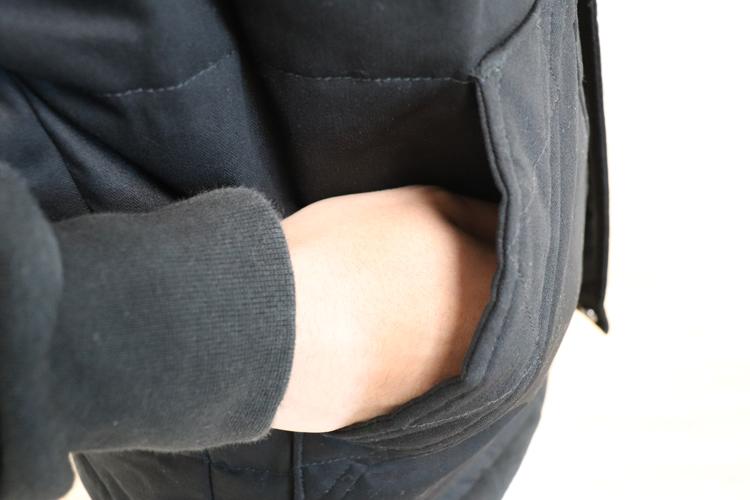 ジーベック 防寒ベスト213 ポケット部分