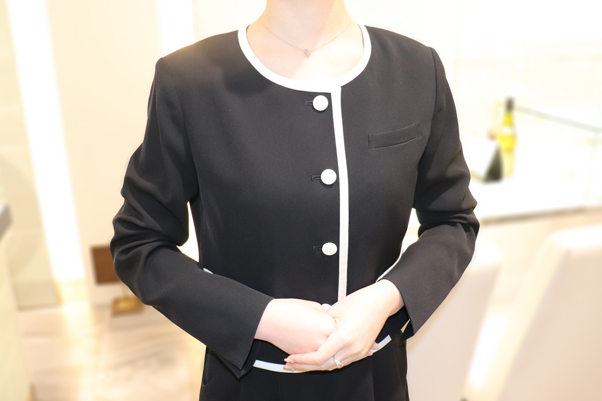 MARY QUANT(マリークヮント)事務服 着用の様子